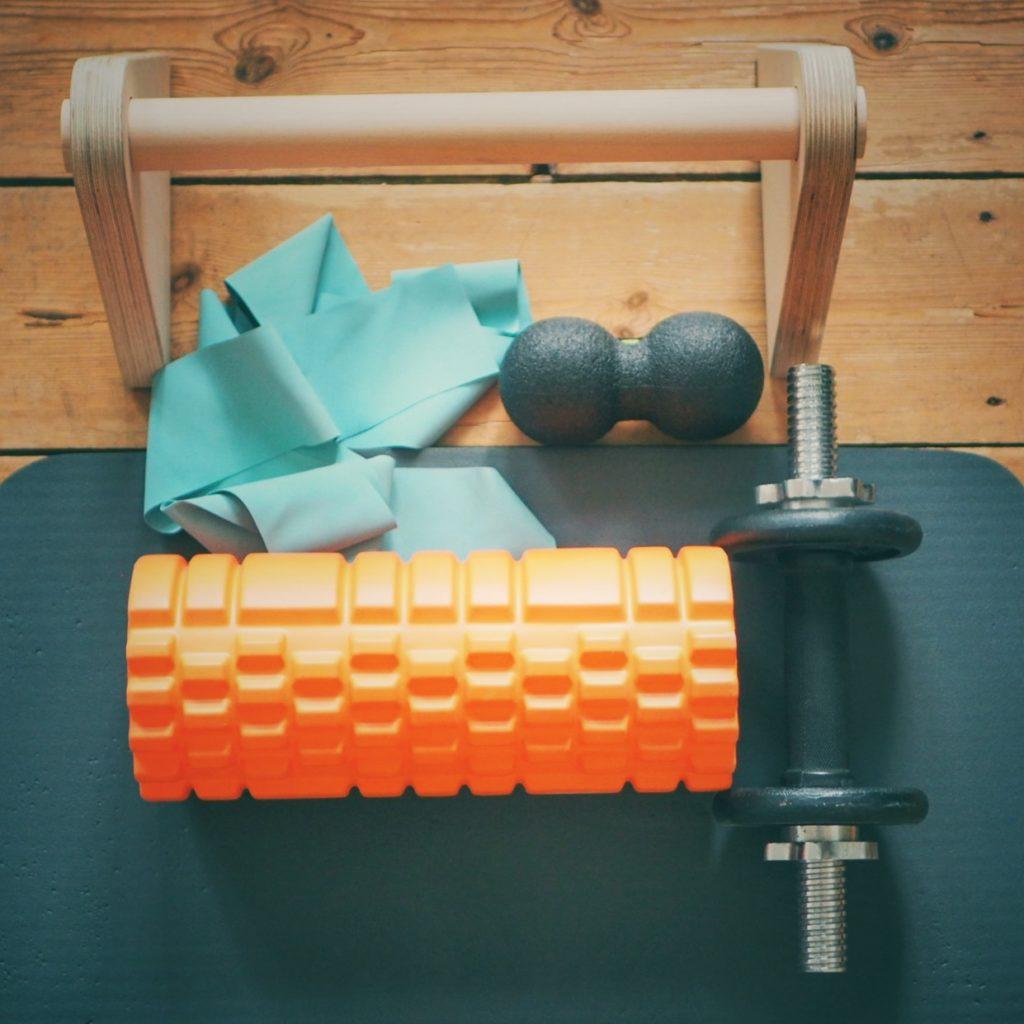 Yogamatte, Theraband und Co - Hilfsmittel fürs Bouldertraining zuhause
